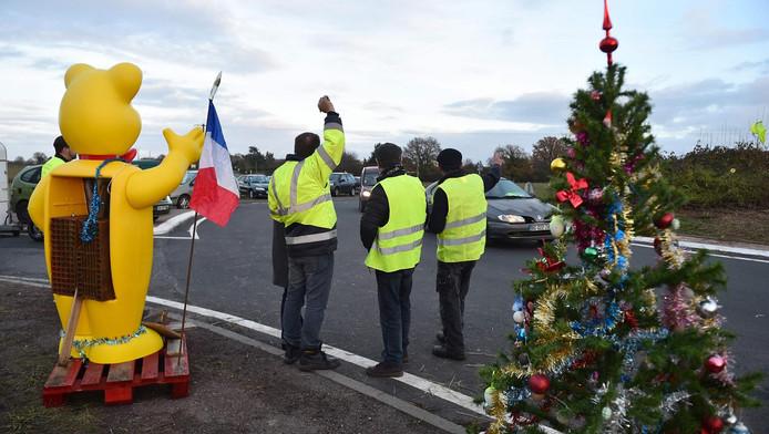 """Illustration (""""gilets jaunes"""" sur l'A28, dans le nord de la France)"""