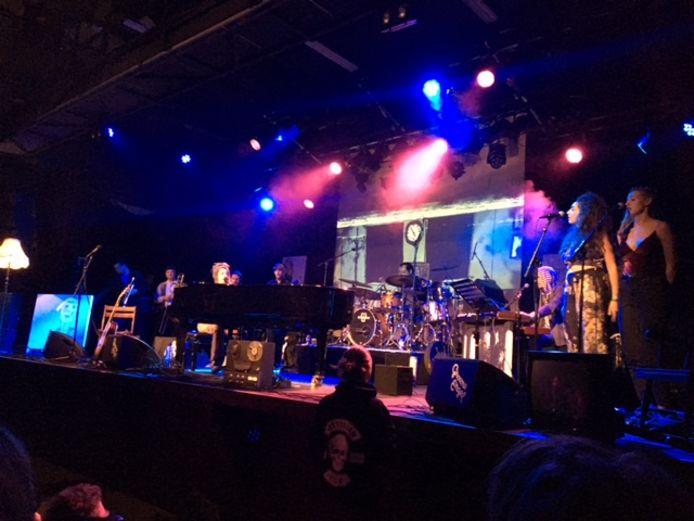 De complete band Camilla Blue op het podium van de Groene Engel in Oss.