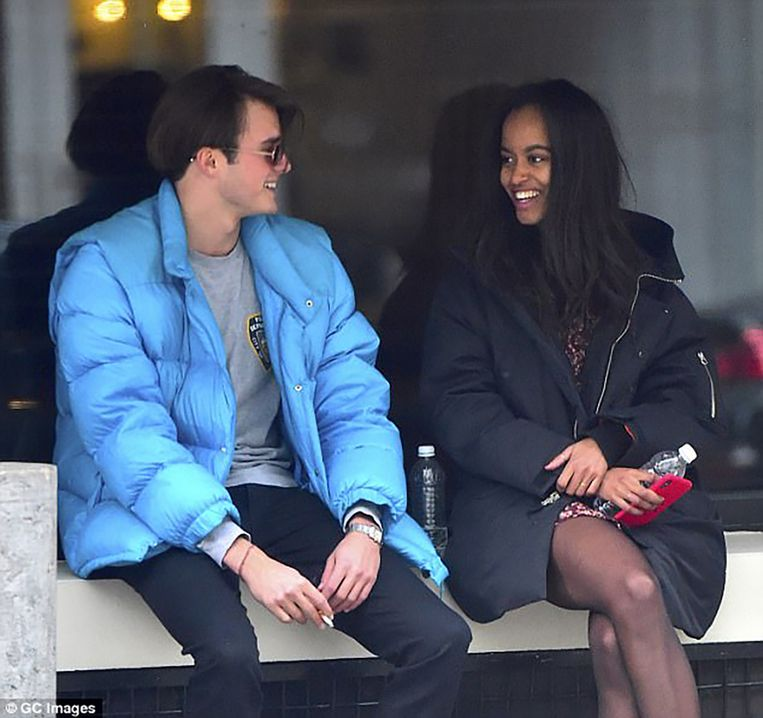 De relatie van Malia met de Britse Rory Farquharson (21) - een deftige jongen van een chique familie - wordt steeds serieuzer.