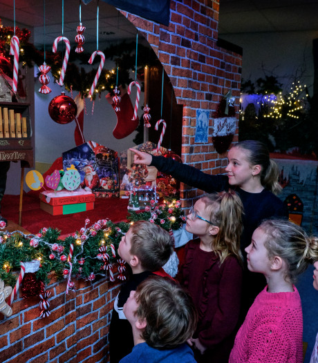 Leerlingen verrast door wintertafereeltje in hal van de school