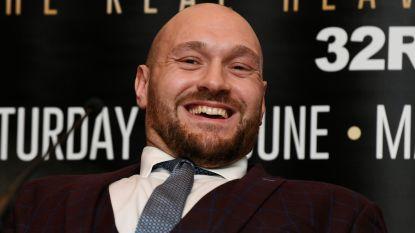"""Beruchte Tyson Fury keert na doffe ellende terug in ring en treitert nu al: """"Geen enkele bokser is partij voor mij. Ik mep Joshua helemaal knock-out"""""""