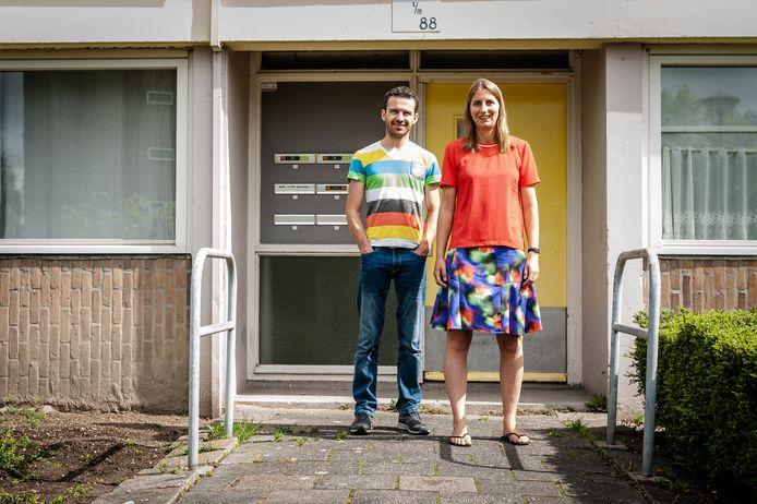 Willem en Esther van de Bruinhorst zitten vast in Nederland. Ze willen terug naar Papoea-Nieuw-Guinea, waar ze sinds 2017 wonen.