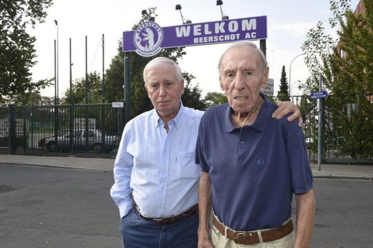 Rik Coppens met boezemvriend Jean Verrept voor de poorten van het Olympisch stadion.