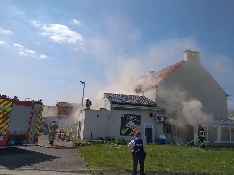 De brand zorgde voor een enorme rookontwikkeling