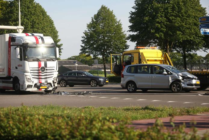 Veel materiele schade bij ongeval in Dorst