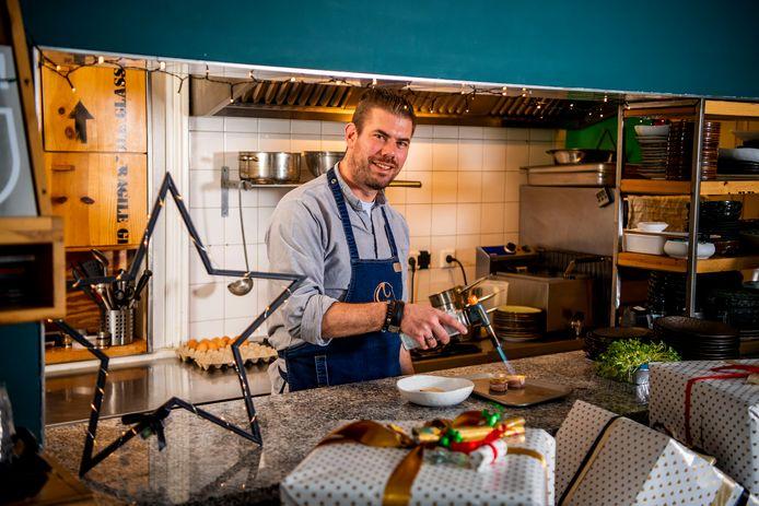 Terry Priem is eigenaar van Gastrobar STER. Hij heeft zijn kerstmenu al klaar staan.