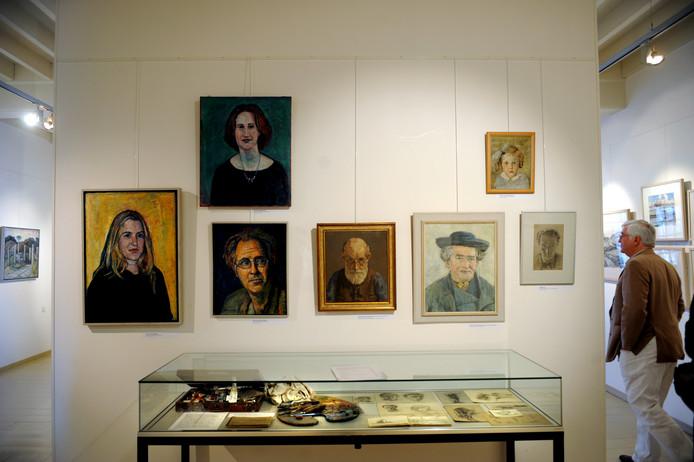 Een expositie van Gerard Menken in de Schotse Huizen in Veere, tien jaar geleden.
