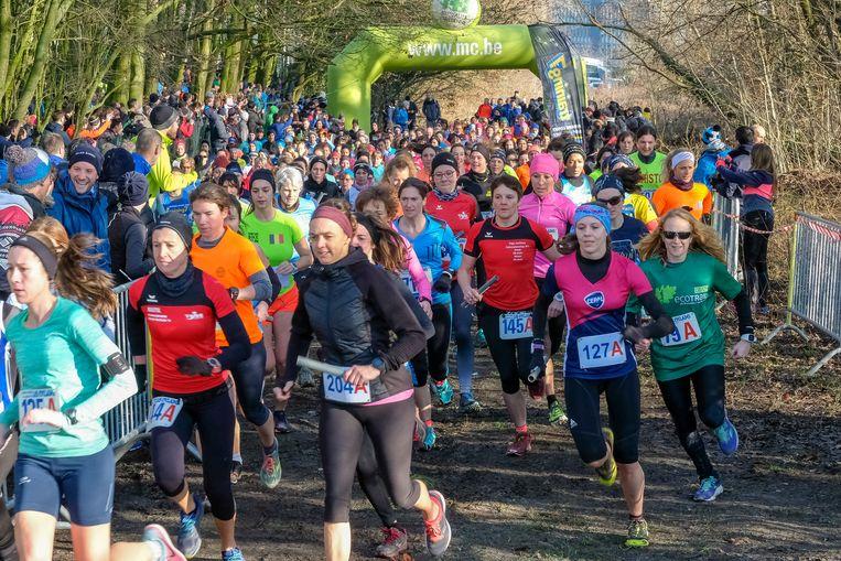 Honderden lopers namen zaterdag deel aan de 32ste editie van de aflossingsmarathon voor het goede doel.