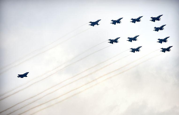 Nederlandse F-35-vliegtuigen (Joint Strike Fighters) tijdens de Luchtmachtdagen.  Beeld Marcel van den Bergh