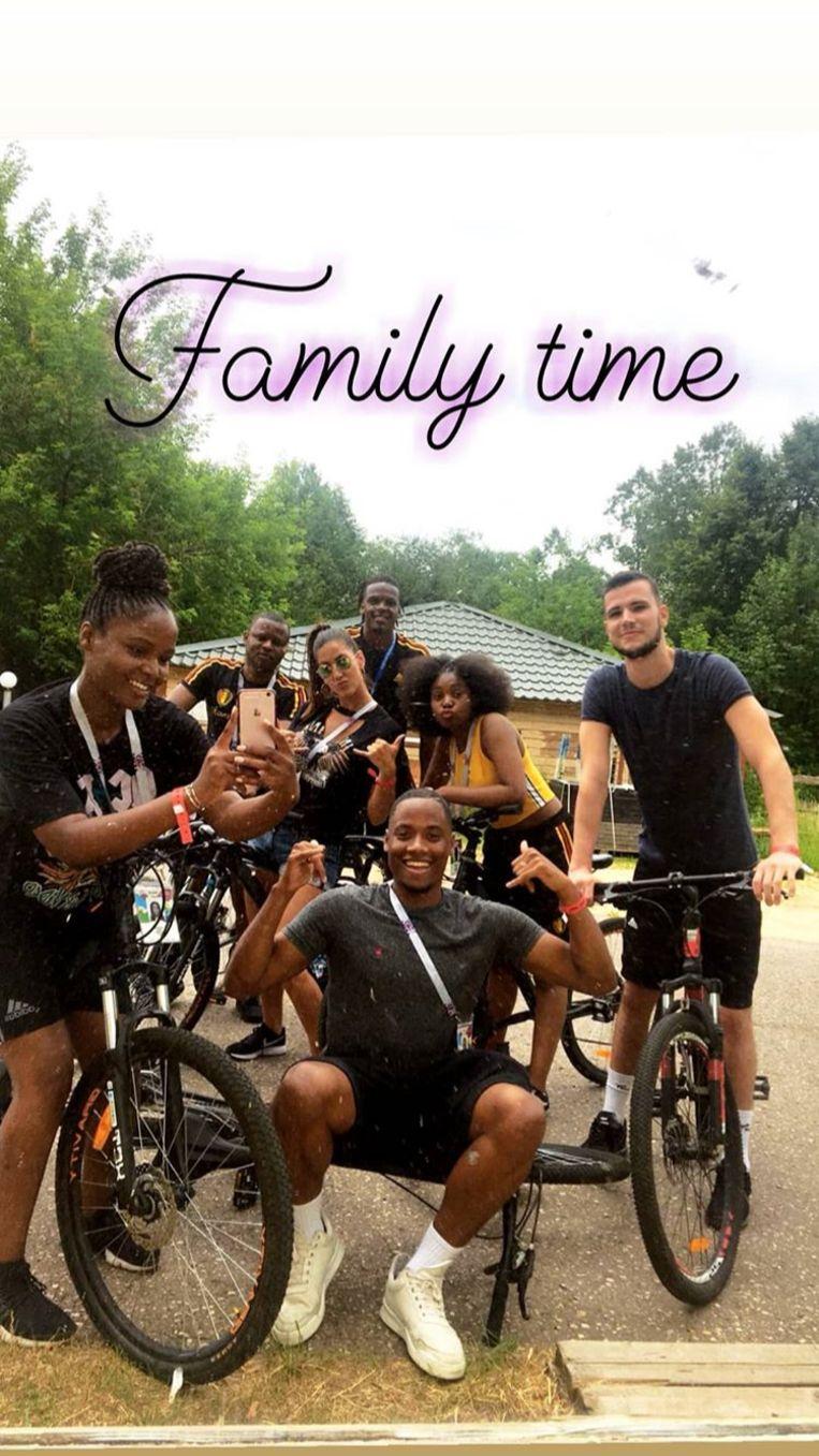 Dedryck Boyata koos voor een fietsuitje met de familie en vrienden.