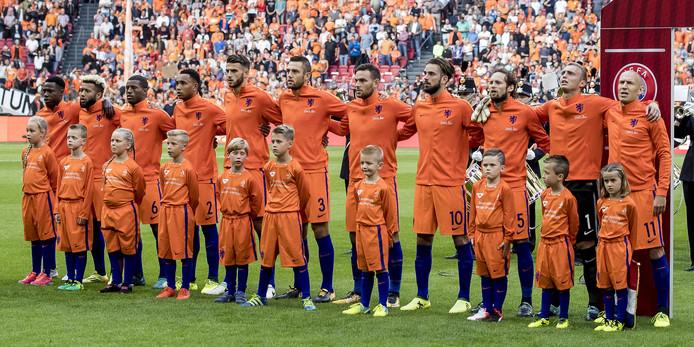 Nederland voor het duel met Bulgarije.