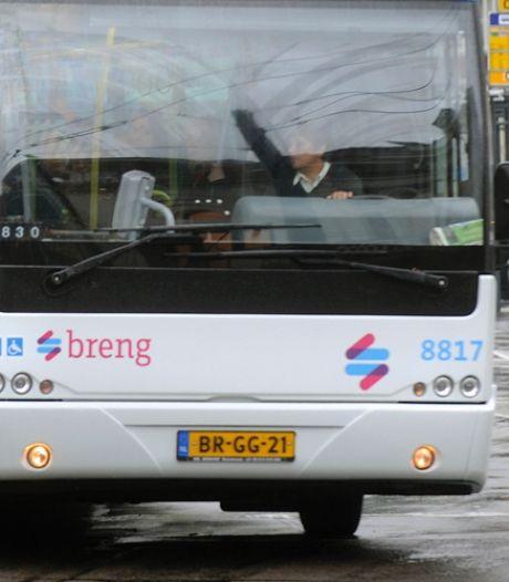 Kuchschermen geplaatst: instappen in Breng-bussen weer via de voordeur