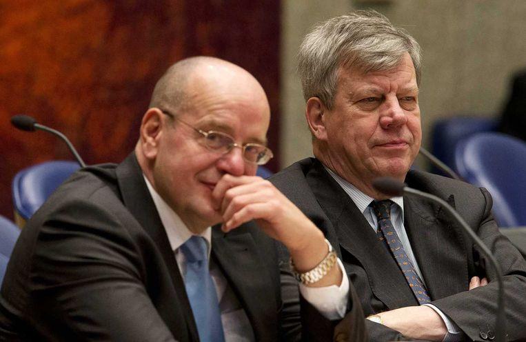Teeven en Opstelten in de Tweede Kamer, eind 2012. Beeld null