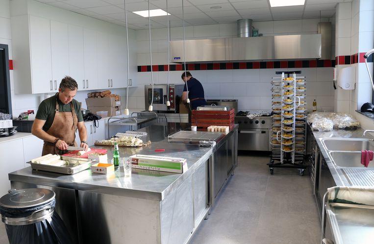 De nieuwe keuken zou zelfs horecazaken jaloers maken.