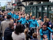 Doorkomstcomité Roparun schenkt duizenden euro's aan zieke ouders