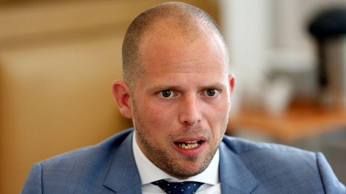 """Theo Francken vraagt dat het bestuur van OHL """"de eer aan zichzelf houdt en opstapt"""""""