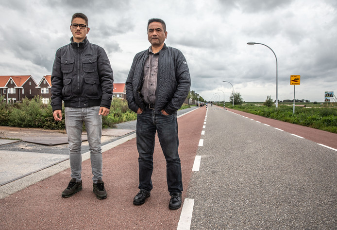 Vader en zoon Geisler klagen de politie aan.