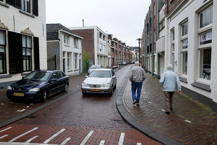 De Gasthuisstraat richting de Vleesstraat in Tiel.