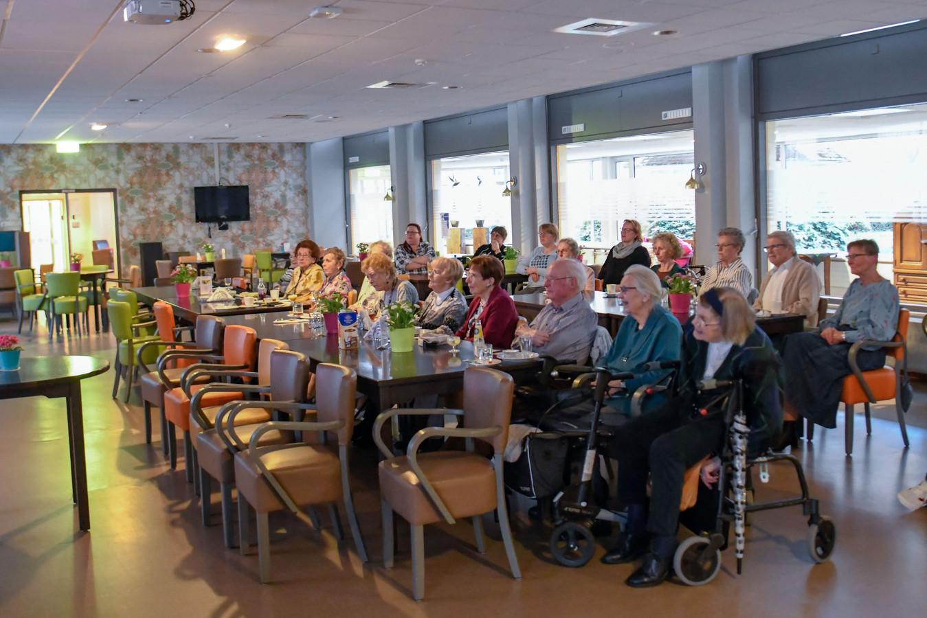 De voorstelling Hendrik Groen in Vitalis Verzorgingstehuis Eindhoven.