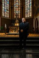 Gauthier deed eerst een opleiding tot elektrotechnicus, maar wist al op zijn dertiende dat hij priester wilde worden.