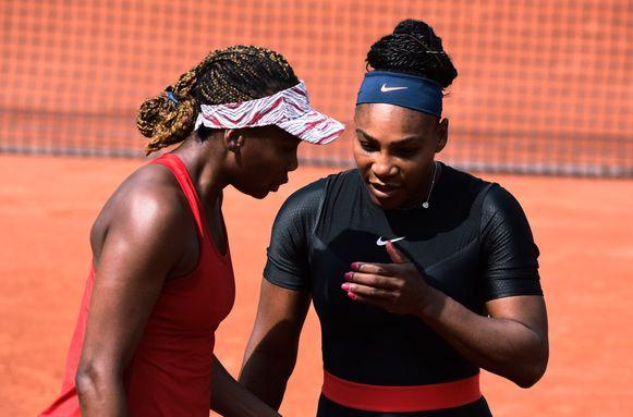 Serena en Venus Williams, eerder dit jaar samen op Roland Garros.