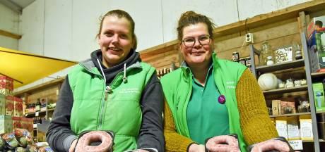 Groene Polderwinkel verkoopt geen letters van chocolade, maar van worst