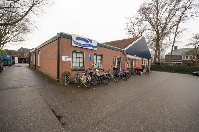 De kringloopwinkel aan de Bornerbroeksestraat sluit op 29 februari. De nieuwe winkel opent een week later.
