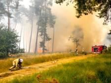 Natuurbrand bij Reusel zorgt voor slecht zicht op A67 richting Belgische grens