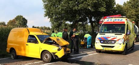 Drie gewonden bij kop-staartbotsing in Odiliapeel