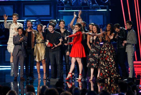 De cast van '13 Reasons Why' op de MTV Movie and TV Awards 2017 in Los Angeles.