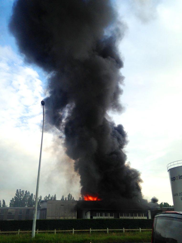 Brand treft loods Top Interieur | Izegem | Regio | HLN