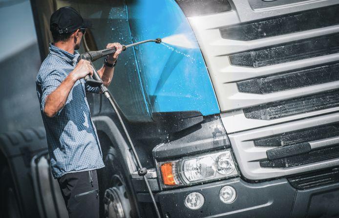 Truckwash is een van de diensten die Travis Road Services regelt.