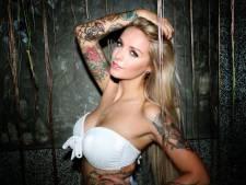 Temptation-Pommeline laat enorme tattoo van Fabrizio verwijderen