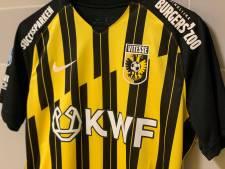 Vitesse staat in KWF-wedstrijd tegen FC Utrecht weer even stil bij de dood van Theo Bos