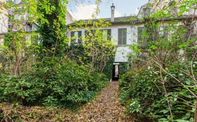 Situé près des Invalides à Paris, l'hôtel particulier a été adjugé à 35,1 millions d'euros lors d'une vente aux enchères le 23 janvier dernier.