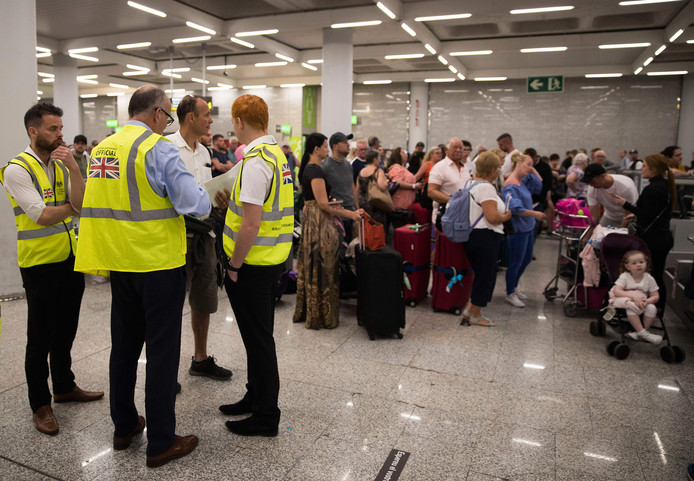 La priorité des autorités est actuellement de rapatrier les quelque 150.000 vacanciers britanniques partis avec Thomas Cook.