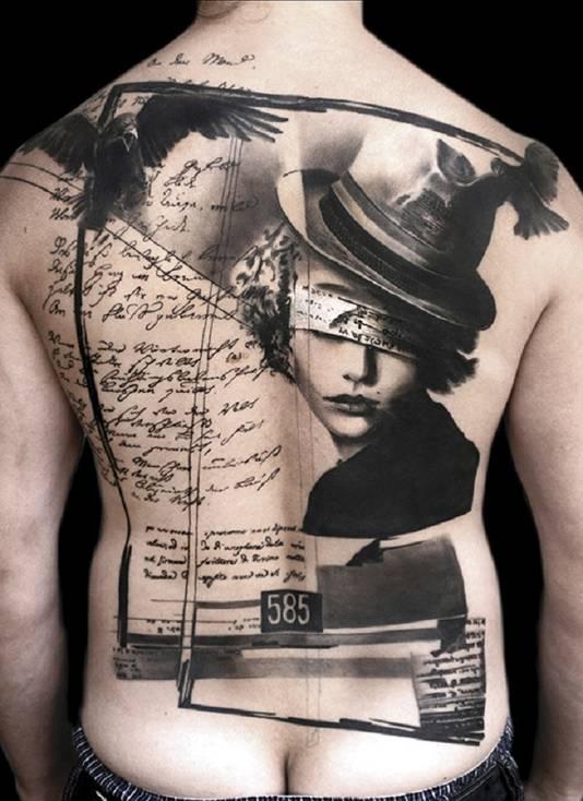 Een voorbeeld van een trash polka tattoo.