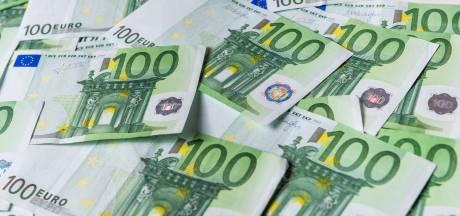Verdachten in Duitse auto bij Dordrecht gestopt: 17.000 euro en hennep op zak
