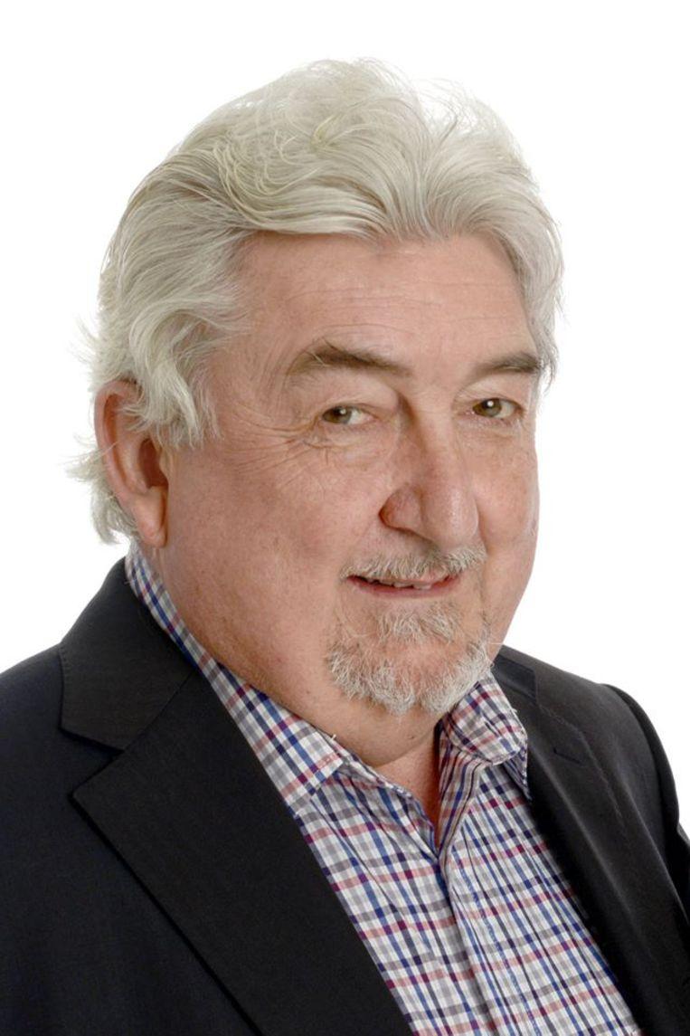 Carlos Demunter (67) is een bekende figuur in Waregem, als bestuurslid van de sp.a.
