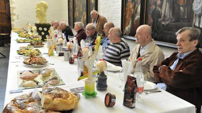 Een lekkere traditie van 450 jaar: Pelgrimstafel in Sint-Julianusgasthuis