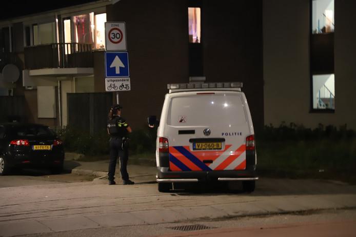 Politie in de Waterstraat  in Nijmegen.