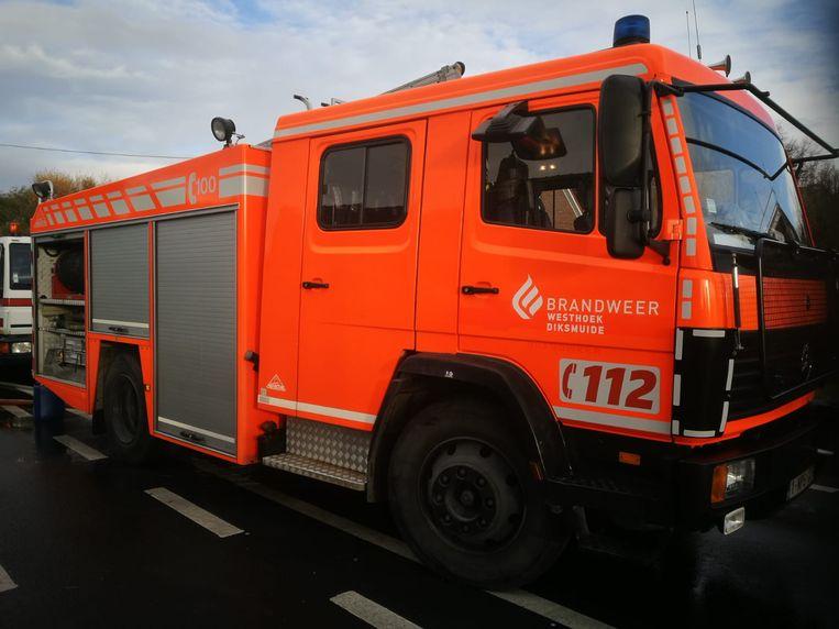 De brandweerkorpsen van Koekelare, Diksmuide, Leke en Kortemark repten zich ter plaatse