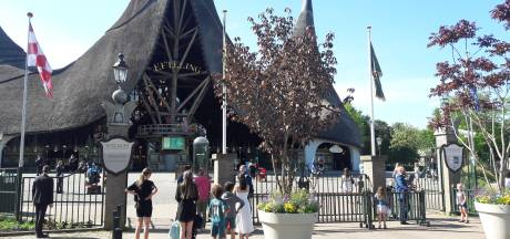 Hutjemutje in de wachtrij bij de Efteling? Pretpark ziet 'afnemende motivatie' bij bezoekers om afstand te houden