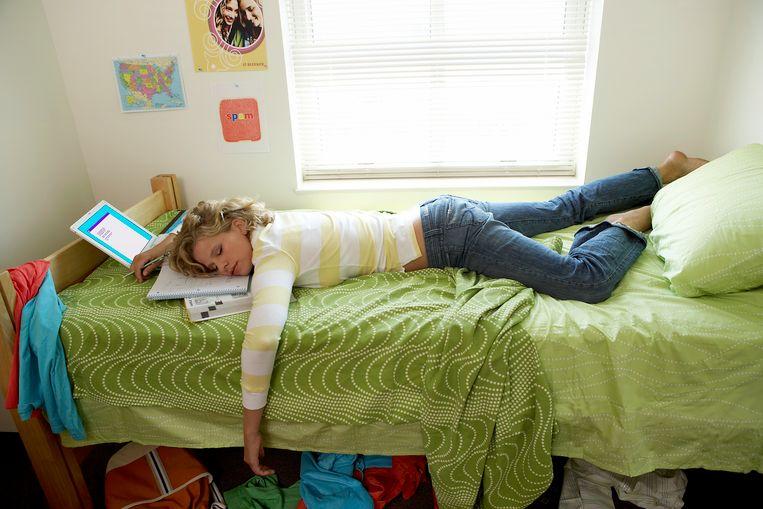 Nachtjes doorstuderen zijn niet erg efficiënt. Een goede nachtrust is extra belangrijk tijdens de blokperiode.