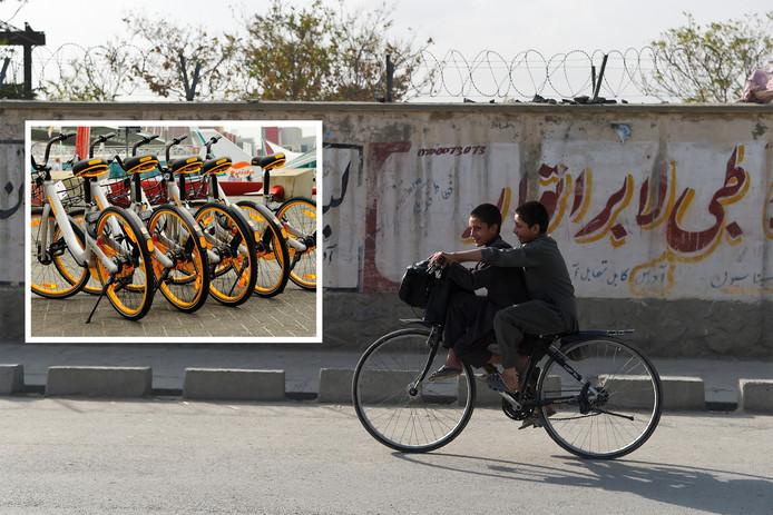 Jongeren op de fiets in de Afghaanse hoofdstad Kabul. Foto-inzet: oBikes.