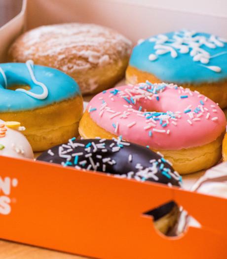 Een jaar lang gratis donuts eten? Dan moet je wel vroeg in de rij