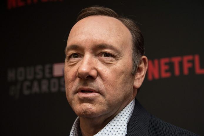 De 59-jarige Amerikaanse acteur Kevin Spacey moet zich morgen voor de rechter verantwoorden wegens seksueel misbruik van een tiener.