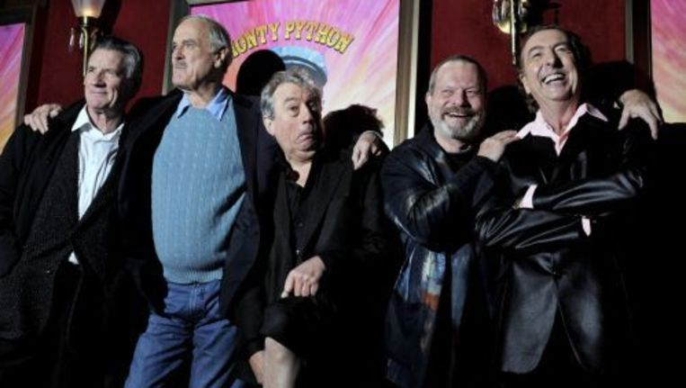 De mannen van Monty Python hebben een een ere-Bafta gekregen. Van links naar rechts: Michael Palin, John Cleese, Terry Jones, Terry Gilliam and Eric Idle. Foto ANP Beeld