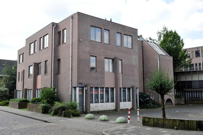 Het vroegere Mediant-gebouw aan de Willemstraat.