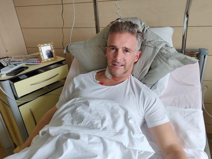 Christoff herstelt in het UZ Brussel na zijn hartoperatie.